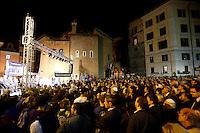 Partecipanti alla marcia per il 70esimo anniversario del rastrellamento e della deportazione degli ebrei di Roma nei campi di concentramento nazisti, a Roma, 16 ottobre 2013.<br /> People attend the march marking the 70th anniversary of the roundup and deportation of Rome's Jews to concentration camps, in Rome's ghetto neighborhood, 16 October 2013.<br /> UPDATE IMAGES PRESS/Riccardo De Luca