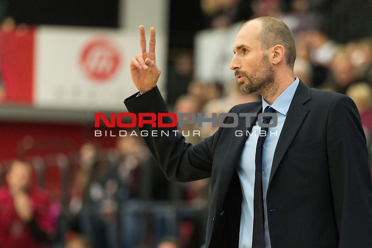 04.12.2013, Artland Arena, Quakenbrueck, GER, EC BBL, Artland Dragons - KK Cibona Zagreb, im Bild<br /> Slaven Rimac (Cibona Zagreb Headcoach)<br /> Einzelaktion, Halbk&radic;&part;rper / Halbkoerper, Freisteller, Gestik, Mimik,Querformat, <br /> <br /> Foto &not;&copy; nph / Kokenge *** Local Caption ***