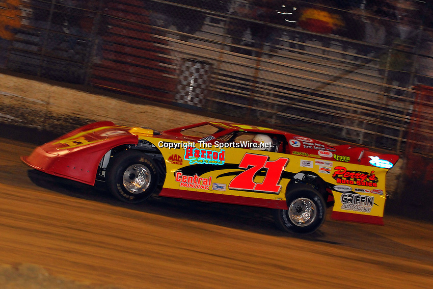 Feb. 3rd, 2009; 8:05:29 PM; Gibsonton, FL . USA; Lucas Oil Late Model Dirt Series.running at the East Bay Raceway Park.  Mandatory Credit: (thesportswire.net)
