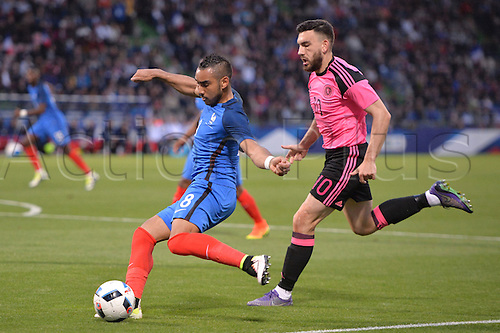 04.06.2016. Stade Saint Symphorien, Metz, France. International football freindly,France versus Scotland.  DIMITRI PAYET breaks away from Robert Snodgrass