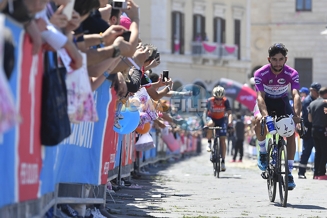 Fernando Gaviria (COL) Quick-Step Floors arrives at sign on before the start of Stage 8 of the 100th edition of the Giro d'Italia 2017, running 189km from Molfetta to Peschici, Italy. 1th May 2017.<br /> Picture: LaPresse/Fabio Ferrari | Cyclefile<br /> <br /> <br /> All photos usage must carry mandatory copyright credit (&copy; Cyclefile | LaPresse/Fabio Ferrari)
