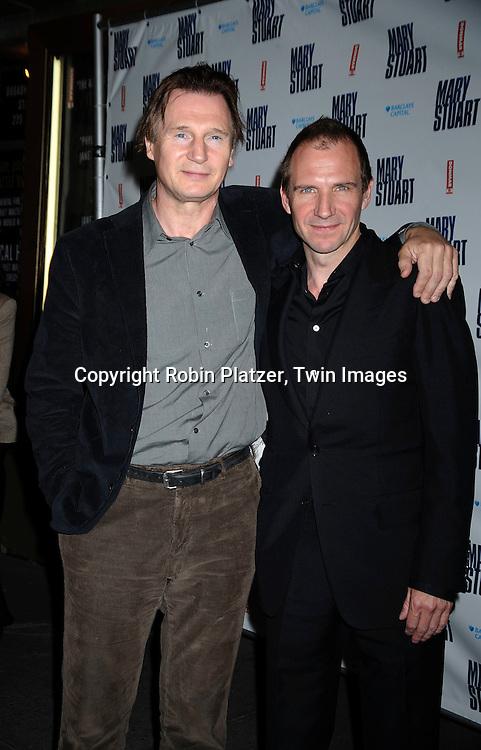 ¿Cuánto mide Liam Neeson? - Real height - Página 2 3214-Liam-Neeson-Ralph-Fiennes