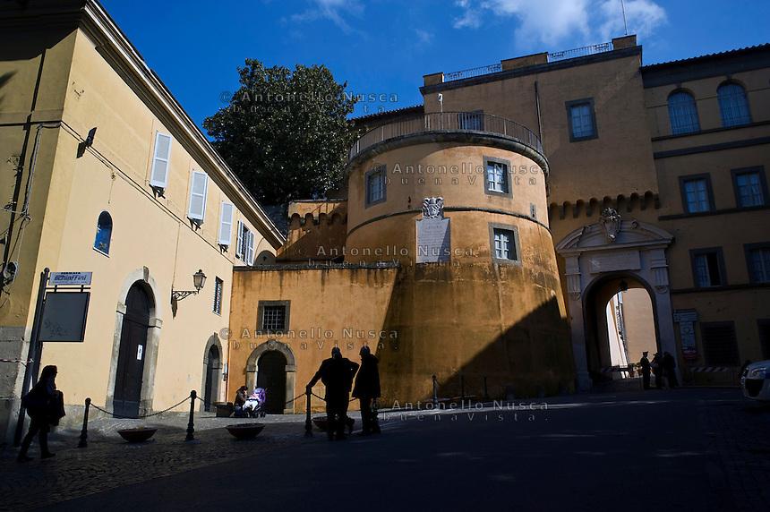 Roma, 22 Febbraio 2013. Le mura esterne della residenza estiva Papale di Castel Gandolfo.