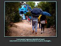 I suoi pensieri vagavano infastiditi ed incerti come turisti su una strada sdrucciolevole in un giorno di pioggia...