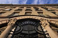 Europe/France/Normandie/Haute-Normandie/76/Seine-Maritime/Le Havre: Porte Immeuble Art Déco sur le Front de mer au N: 8 Rue Champlain