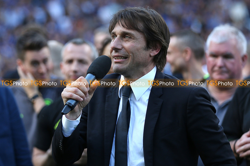 Chelsea Manager, Antonio Conte, makes a speech on the pitch after the game during Chelsea vs Sunderland AFC, Premier League Football at Stamford Bridge on 21st May 2017