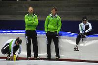 SCHAATSEN: HEERENVEEN: Thialf, 25-06-2012, Zomerijs, TVM schaatsploeg, Ireen Wüst, trainer Gerard Kemkers, assistent-trainer Rutger Tijssen, Linda de Vries, ©foto Martin de Jong