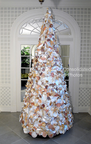Washington, DC - November 29, 2007 -- A sea shell Christmas Tree in the Palm Room, part of the 2007 White House Christmas Decorations in Washington, D.C. on Thursday, November 29, 2007..Credit: Ron Sachs / CNP