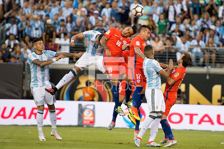 Action photo during the match Argentina vs Chile  at MetLife Stadium. Copa America Centenario 2016. ---Foto de accion durante el partido Argentina vs Chile en el Estadio de la  MetLife, Partido Correspondiente a la Gran Final de la Copa America Centenario USA 2016, en la foto: Rogelio Funes Mori, Gonzao Jara<br /> <br /> --- - 26/06/2016/MEXSPORT/Omar Martinez.