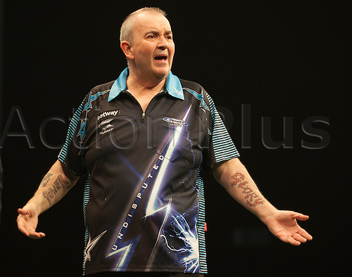07.04.2016. The Sheffield Arena, Sheffield, England. Betway PDC Premier League Darts. Night 10.  Phil Taylor [ENG] shows his frustration during the game against  James Wade [ENG]