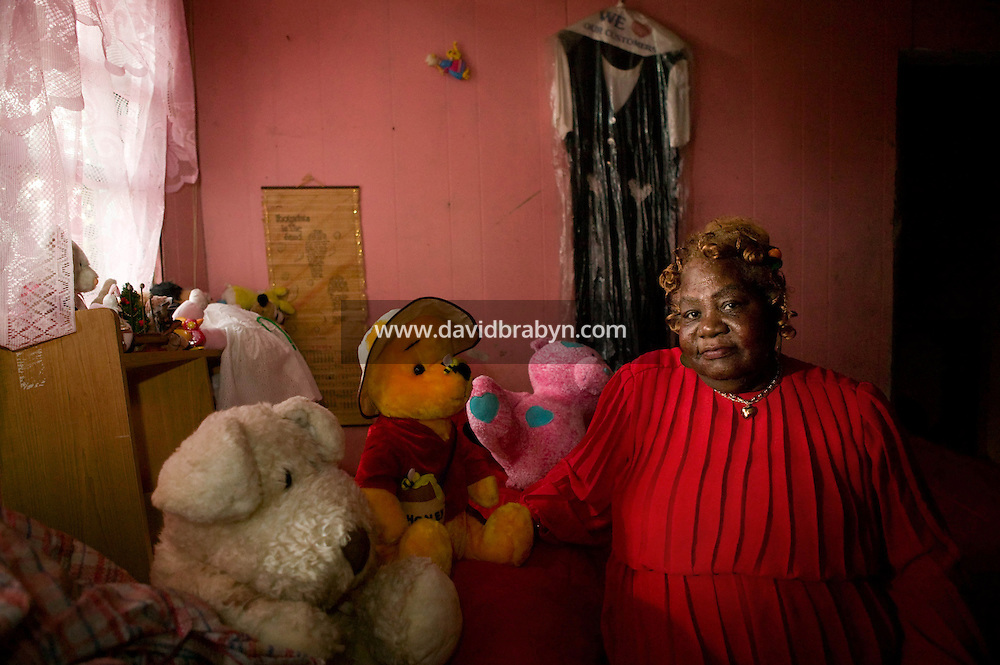 Gloria Edwina Knight, a homeowner who succeeded in resisting the demands of a financial institution, poses for the photographer in her home in Brooklyn, New York, USA, 18 September 2007. In January 1999, her battle with Delta Funding was covered by The New York Times newspaper.