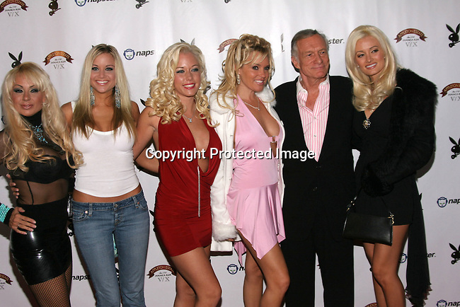 Hugh Hefner &amp; girlfriends<br />