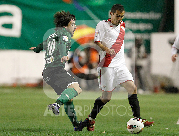 Rayo Vallecano's Emiliano Daniel Armenteros (r) and Betis' Benat Etxebarria during La Liga match.March 17,2012. (ALTERPHOTOS/Acero)