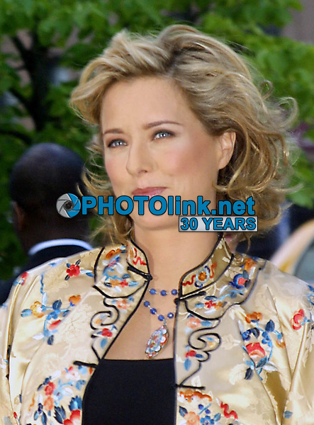 """TEA LEONI  2002<br /> PREMIERE OF """"HOLLYWOOD ENDING"""" AT THE CHELSEA WEST THEATRE IN NEW YORK CITY<br /> Photo By John Barrett/PHOTOlink"""