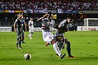 ATENÇÃO EDITOR: FOTO EMBARGADA PARA VEÍCULOS INTERNACIONAIS - SÃO PAULO, SP, 28 DE NOVEMBRO DE 2012 - COPA SULAMERICANA - SÃO PAULO x UNIVERSIDAD CATÓLICA: Paulo Miranda durante partida São Paulo x Universidad Católica, válida pela semifinal da Copa Sulamericana no Estádio do Morumbi em São Paulo. FOTO: LEVI BIANCO - BRAZIL PHOTO PRESS