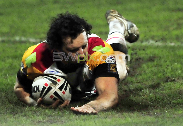 PICTURE BY VAUGHN RIDLEY/SWPIX.COM - Rugby League - Super League - Bradford v Harlequins - Odsal, Bradford, England  - 26/03/10...Copyright - Simon Wilkinson - 07811267706...Bradford's Brett Kearney scores a try.