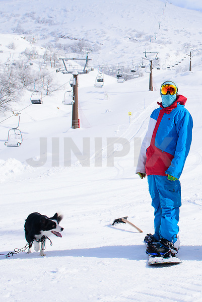 Worker of the Hermon Israeli Ski resort in the snow at the Israeli-occupied Golan Heights, on January 10, 2019. Photo by: Ayal Margolin-JINIPIX