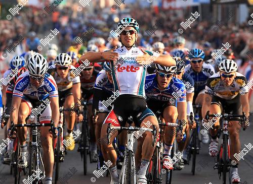 2010-10-12 / Wielrennen / seizoen 2010 / Nationale sluitingsprijs Putte-Kapellen / Adam Blythe (Omega Pharma Lotto) wint de spurt..Foto: Mpics