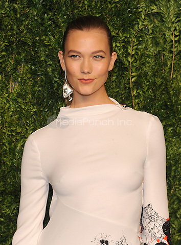 NEW YORK, NY - NOVEMBER 07: Karlie Kloss attends 13th Annual CFDA/Vogue Fashion Fund Awards at Spring Studios on November 7, 2016 in New York City. Photo by John Palmer/ MediaPunch