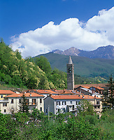 Tuscany, Italy:  Village of Monteluscio in the mountainous Lungiana region of northern Tuscany