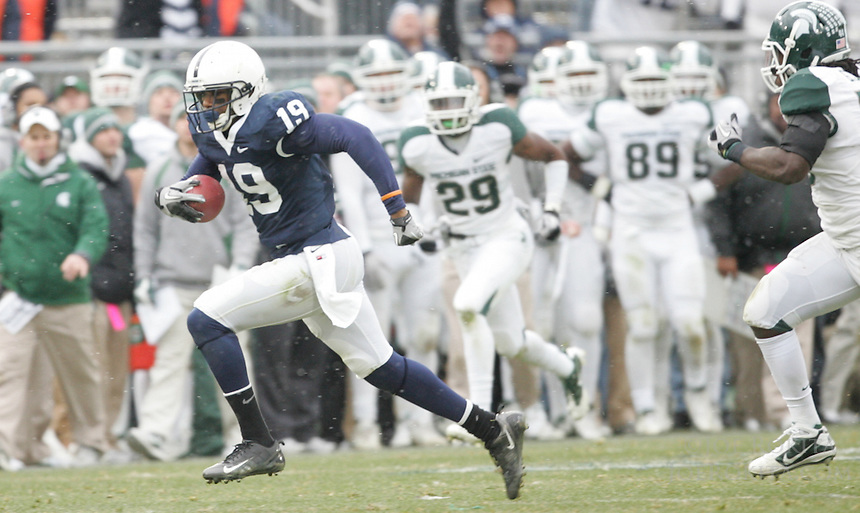 State College, PA - 11/27/2010:  WR Justin Brown (19) carries the ball after a reception.  Brown led Penn State receivers with 6 catches for 106 yards.  Penn State lost to Michigan State by a score of 28-22 on Senior Day at Beaver Stadium...Photo:  Joe Rokita / JoeRokita.com..Photo ©2010 Joe Rokita Photography