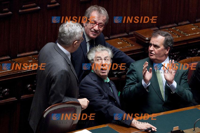 VOTAZIONE SUL RENDICONTO GENERALE DELLO STATO ALLA CAMERA DEI DEPUTATI..NELLA FOTO I MINISTRI GIULIO TREMONTI ROBERTO MARONI UMBERTO BOSSI E ROBERTO CALDEROLI ..ROMA 08 NOVEMBRE  2011..PHOTO  INSIDEFOTO..............................