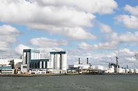 Nederland  Rotterdam - 2017.  ShinEtsu.  Met een productiecapaciteit van meer dan 3 miljoen ton, is Shin-Etsu  's werelds grootste PVC-producent.   Foto Berlinda van Dam / Hollandse Hoogte