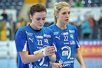 Handballl Champions League Frauen - HC Leipzig (HCL) gegen IK Sävehof/ Saevehof am 19.10.2013 in Leipzig (Sachsen). <br /> IM BILD: Karolina Szwed Örneborg / Oerneborg (HCL) und Susann Müller / Mueller (HCL) lassen nach Abpfiff den Kopf hängen. <br /> Foto: Christian Nitsche / aif