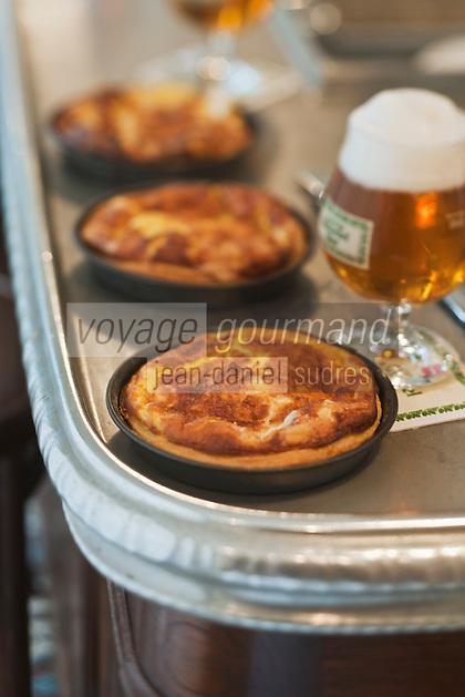Europe/France/Nord-Pas-de-Calais/59/Nord/Godewaersvelde: Flamiche au maroilles recette de l' Estaminet  du Centre //  France, Nord, Godewaersvelde, Flamiche maroilles recipe in the Central Tavern