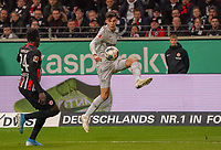 Danny da Costa (Eintracht Frankfurt) gegen Kai Havertz (Bayer Leverkusen) - 18.10.2019: Eintracht Frankfurt vs. Bayer 04 Leverkusen, Commerzbank Arena, <br /> DISCLAIMER: DFL regulations prohibit any use of photographs as image sequences and/or quasi-video.