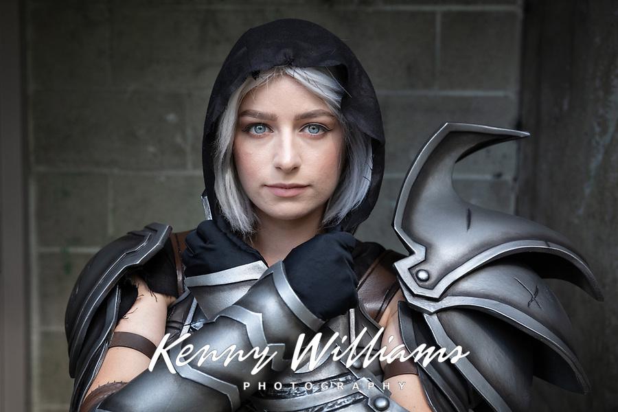 Diablo Demon Hunter Girl Cosplay by Hallie Lubahn, Pax West Seattle, WA, USA.