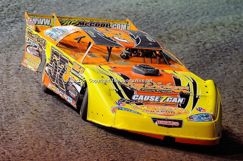Feb 10, 2010; 7:07:22 PM; Barberville, FL., USA; The UNOH sponsored event running the 39th Annual DIRTCar Nationals at Volusia Speedway Park.  Mandatory Credit: (thesportswire.net)