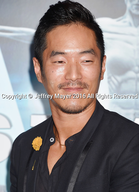 HOLLYWOOD, CA - SEPTEMBER 28: Actor Leonardo Nam attends the premiere of HBO's 'Westworld' at TCL Chinese Theater on September 28, 2016 in Hollywood, California.
