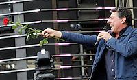 L'attore Sergio Castellitto in veste di conduttore sul palco del tradizionale concerto del Primo Maggio organizzato da Cgil, Cisl e Uil in piazza San Giovanni, Roma, 1 maggio 2009. .Italian actor Sergio Castellitto performs on stage as show host of the traditional May Day concert in St. John Lateran's Square, Rome, 1 may 2009..UPDATE IMAGES PRESS/Riccardo De Luca..