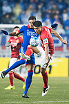 Suwon Forward Johnathan Da Silva Vilela (L) fights for the ball with Guangzhou Midfielder Zheng Zhi (R) during the AFC Champions League 2017 Group G match Between Suwon Samsung Bluewings (KOR) vs Guangzhou Evergrande FC (CHN) at the Suwon World Cup Stadium on 01 March 2017 in Suwon, South Korea. Photo by Victor Fraile / Power Sport Images