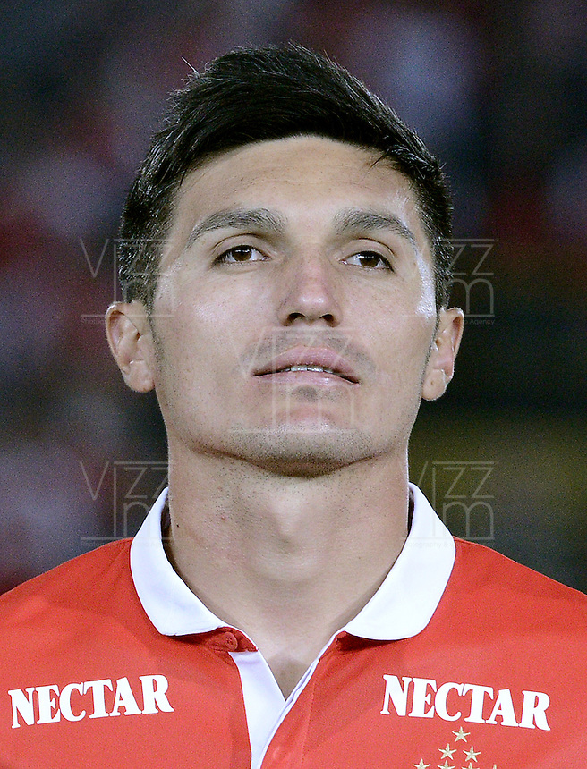 BOGOTÁ -COLOMBIA, 24-01-2014. Daniel Torres jugador de Santa Fe previo al encuentro entre Independiente Santa Fe e Itaguí por la fecha 1 Liga Postobón  I 2014 disputado en el estadio el Campín de la ciudad de Bogotá./ Daniel Torres player of Santa Fe prior a match between Independiente Santa Fe and Itagui for the first date for the Postobon  League I 2014 played at El Campin stadium in Bogotá city. Photo: VizzorImage/ Gabriel Aponte / Staff