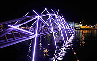 Nederland Amsterdam - december 2018. Amsterdam Light Festival. Mr. J. J. Van der Veldebrug.  Foto Berlinda van Dam / Hollandse Hoogte