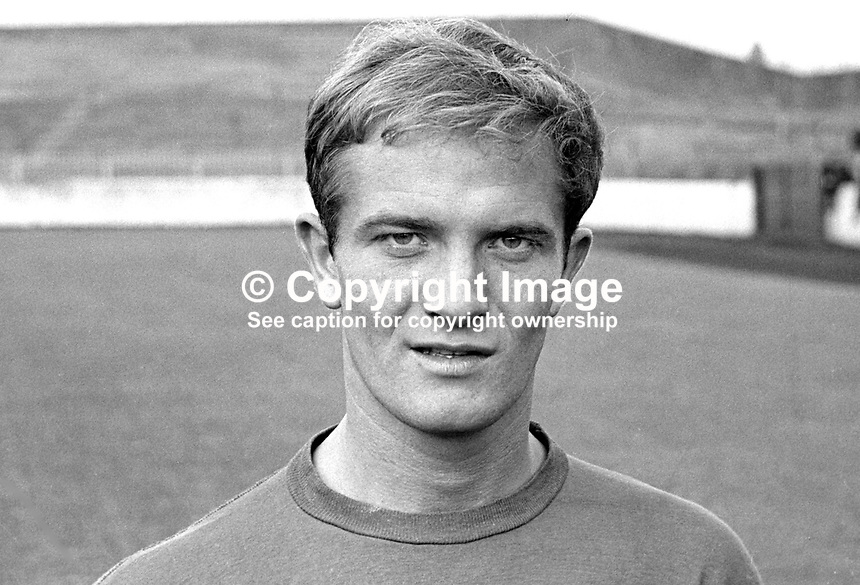 Willie Hunter, footballer, Detroit Tigers, USA,  who is on loan to Glentoran FC, Belfast, N Ireland. August 1967. Scottish International. 196708000062<br /> <br /> Copyright Image from Victor Patterson, 54 Dorchester Park, Belfast, UK, BT9 6RJ<br /> <br /> t: +44 28 9066 1296<br /> m: +44 7802 353836<br /> vm +44 20 8816 7153<br /> <br /> e1: victorpatterson@me.com<br /> e2: victorpatterson@gmail.com<br /> <br /> www.victorpatterson.com<br /> <br /> IMPORTANT: Please see my Terms and Conditions of Use at www.victorpatterson.com