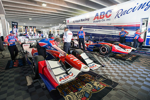 11-13 March, 2016, St Petersburg, Florida USA<br /> 41 Jack Hawksworth and 14 Takuma Sato crews working on their respected  cars<br /> ©2016, Sam Cobb<br /> LAT Photo USA