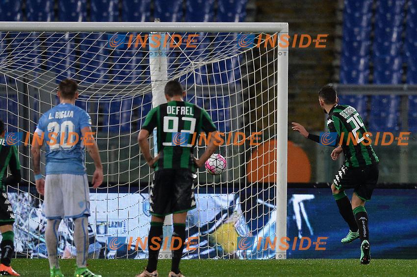 l gol su rigore di Domenico Berardi Sassuolo. Goal celebration.<br /> Roma 29-02-2016  Stadio Olimpico<br /> Campionato Serie A,<br /> Lazio - Sassuolo<br /> Foto Antonietta Baldassarre / Insidefoto