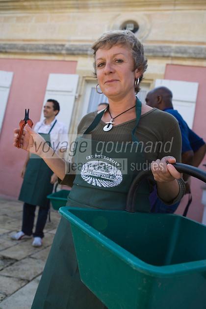 Europe/France/Aquitaine/33/Gironde/Saint-Yzans-de-Médoc: Château  Loudenne, Médoc Cru Bourgeois départ pour les vendanges manuelles