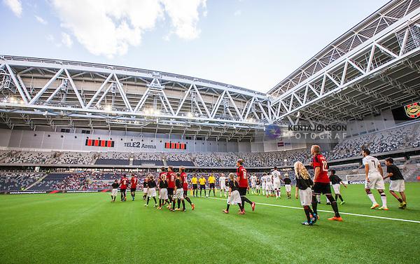 Stockholm 2014-07-31 Fotboll Europa League IF Brommapojkarna - Torino FC :  <br /> Vy &ouml;ver Tele2 Arena n&auml;r spelarna g&aring;r in p&aring; planen inf&ouml;r matchen mellan Brommapojkarna och Torino<br /> (Foto: Kenta J&ouml;nsson) Nyckelord:  BP Brommapojkarna IFB Tele2 Arena Europa League Torino FC TFC Italien Itay inomhus interi&ouml;r interior