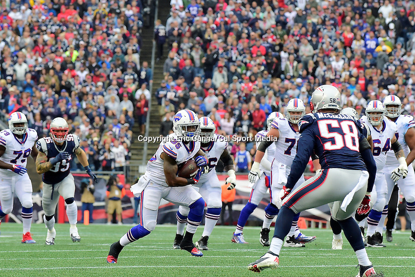 Sunday, October 2, 2016: Buffalo Bills running back Mike Gillislee (35) runs the ball during the NFL game between the Buffalo Bills and the New England Patriots held at Gillette Stadium in Foxborough Massachusetts. Buffalo defeats New England 16-0. Eric Canha/Cal Sport Media
