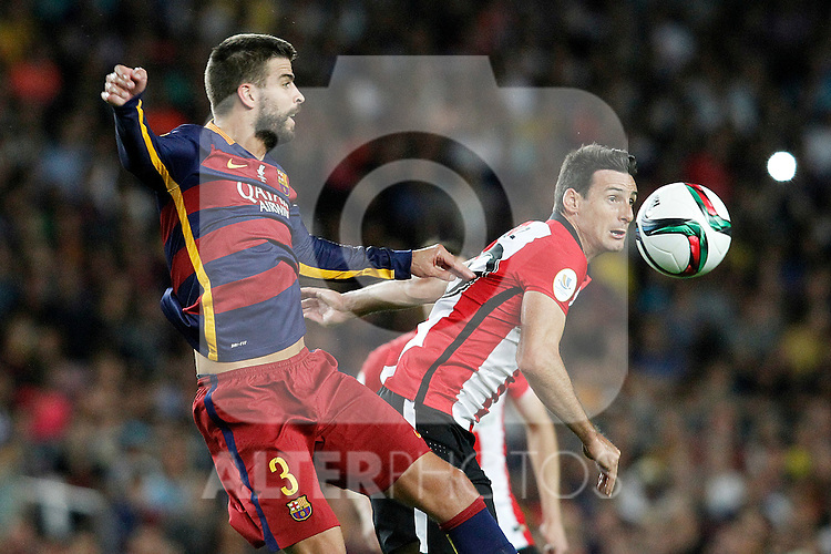 FC Barcelona's Gerard Pique (l) and Athletic de Bilbao's Aritz Aduriz during Supercup of Spain 2nd match.August 17,2015. (ALTERPHOTOS/Acero)