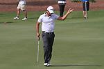 Dubai World Championship Golf. Earth Course,.Jumeirah Golf Estate, Dubai, U.A.E...Gareth Maybin lines up his putt on the first during the third round of the Dubai World Golf championship..Photo: Fran Caffrey/www.golffile.ie...