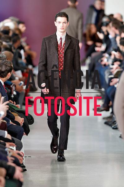 Londres, Inglaterra &ndash; 07/01/2014 - Desfile de Richard James durante a Semana de moda masculina de Londres - Inverno 2014. <br /> Foto: FOTOSITE