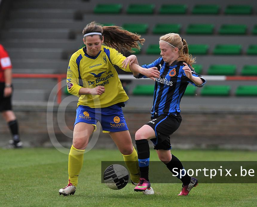 Club Brugge Dames - STVV Sint Truidense VV : Silke Demeyere (r) in duel met Nathalie Weytjens.foto DAVID CATRY / Nikonpro.be