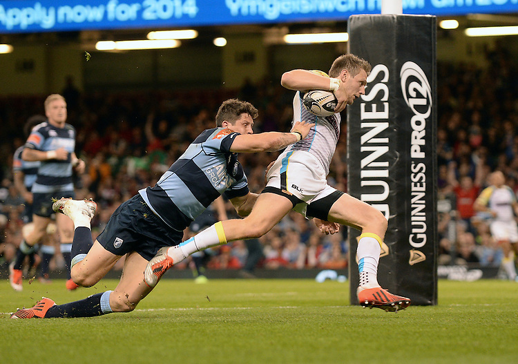 Ospreys' Dan Biggar scores his sides second try<br /> <br /> Photographer Ian Cook/CameraSport<br /> <br /> Rugby Union - Guinness PRO12 - Saturday 25th April 2015 - Cardiff Blues v Ospreys - Millennium Stadium - Cardiff<br /> <br /> &copy; CameraSport - 43 Linden Ave. Countesthorpe. Leicester. England. LE8 5PG - Tel: +44 (0) 116 277 4147 - admin@camerasport.com - www.camerasport.com