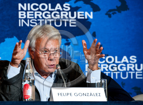 Brussels-Belgium - September 05, 2011 -- Press Conference held by NBI's Council for the Future of Europe (NBI: Nicolas Berggruen Institute); here, Felipe GONZALEZ (González), Former Prime Minister  of Spain -- Photo: Horst Wagner / eup-images