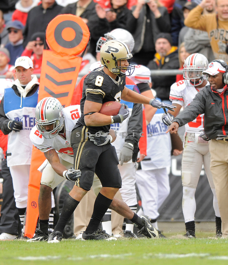 KEITH SMITH, of the  Purdue Boilermakers, in action during the Boilermakers game against the Ohio State Buckeyes  in St. Louis, MO, on October 17, 2009.  Purdue wins 26-18..